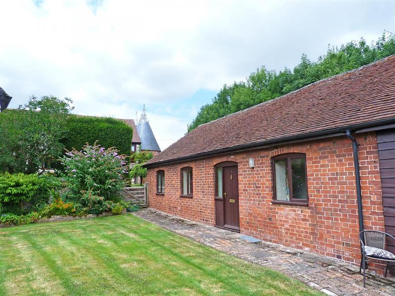 1 Hill End, Weston Beggard, Hereford