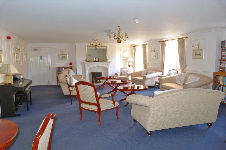 connumal lounge